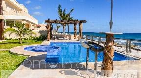 Excepcional villa en primera línea para la venta en Tankah Bay
