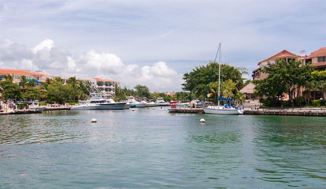 Bonita propiedad con vista a la carretera en Playa del Carmen