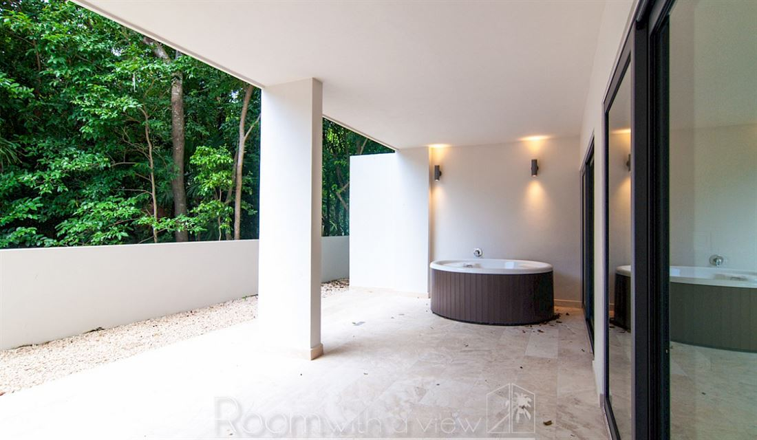 Amazing Condominio con vista a la selva para la venta en la zona de moda