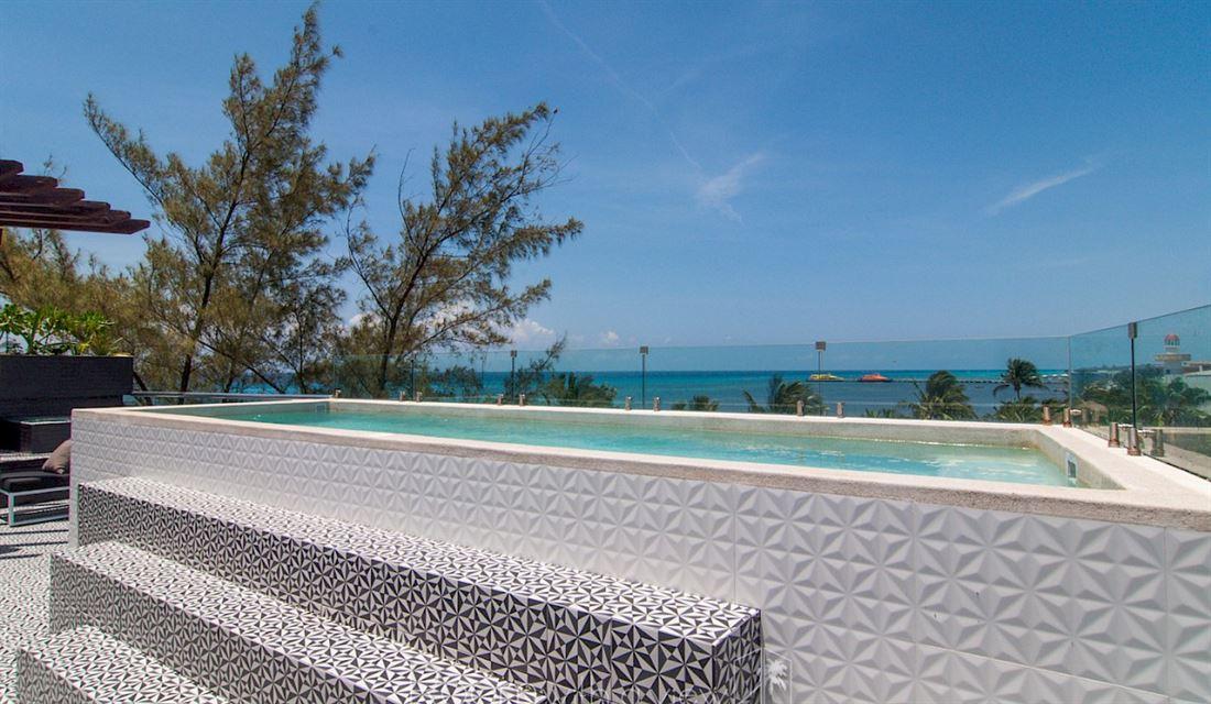Hermoso Condominio frente al mar en Playa del Carmen